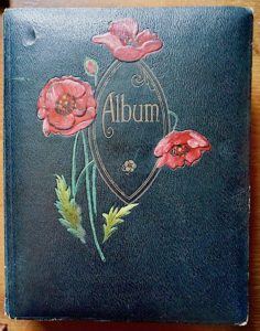 Victorian post card Album with 285 antique post card