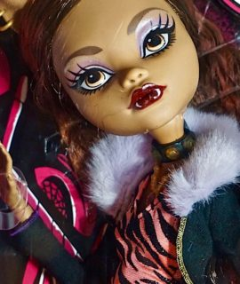 Extra Tall Monster High Doll, Clawdeen Wolf Daughter of the Werewolf