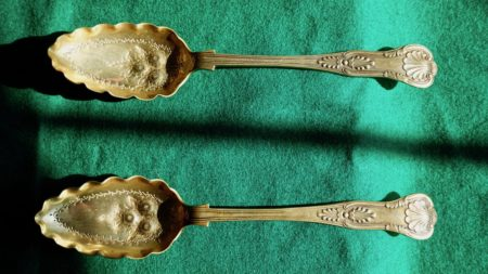 Antique Pair Victorian Silver Plate Berry Fruit Serving Spoons EPNS A1