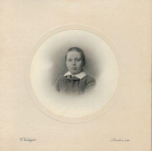 Carl Vandyk, Photography, Buckingham Palace Rd. London, 1910 ca.