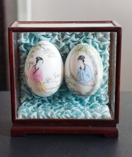 Original Vintage Chinese Eggs