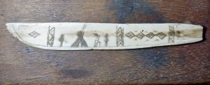 Antique Whale Bone Handmade Scrimshaw Sami Knife
