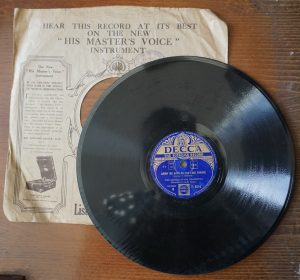 Carry me back to the lone prairie; The toy trumpet, The George Evans Orchestra, 78 RPM
