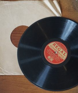 An Old Time Music Hall, part. 3 and 4, 78 RPM, 1931