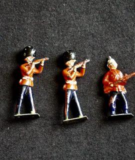 5 antique soldiers, 1814- 1920 ca.
