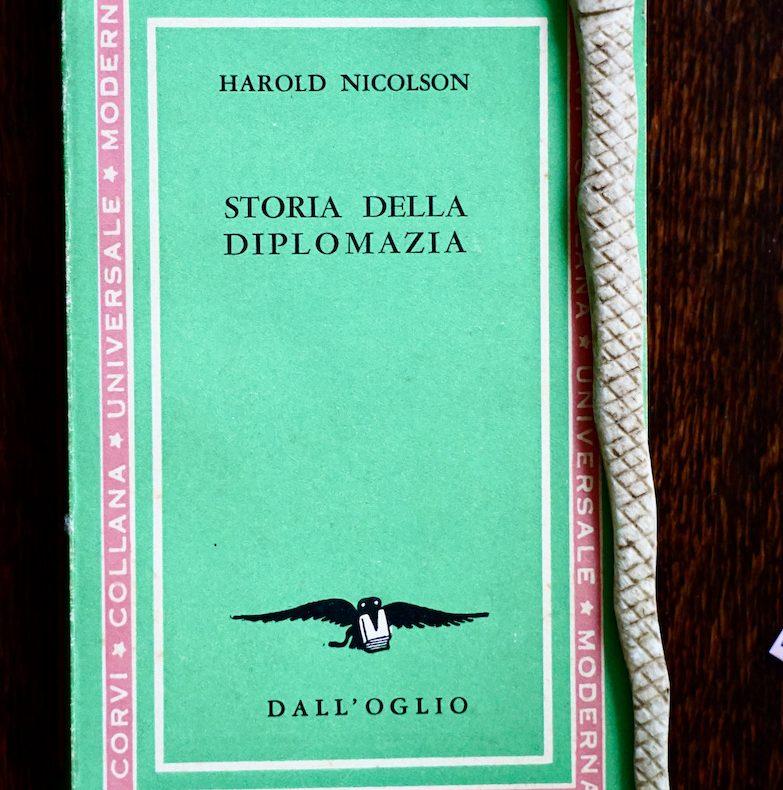 Nicolson, Storia della diplomazia